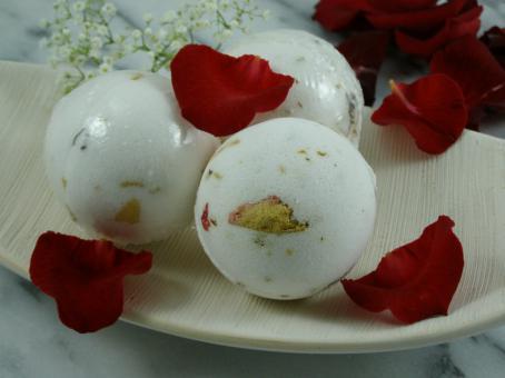 Schaumbadebombe Rosenblüten